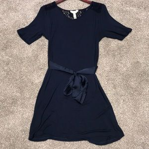 Three Season Maternity short sleeve dress Size M